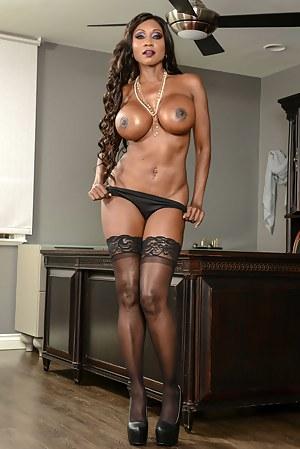 Free Moms Big Black Tits Porn Pictures